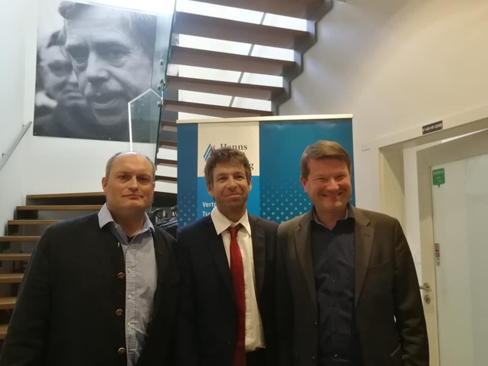 Schmidt, Pelikán und Kastler